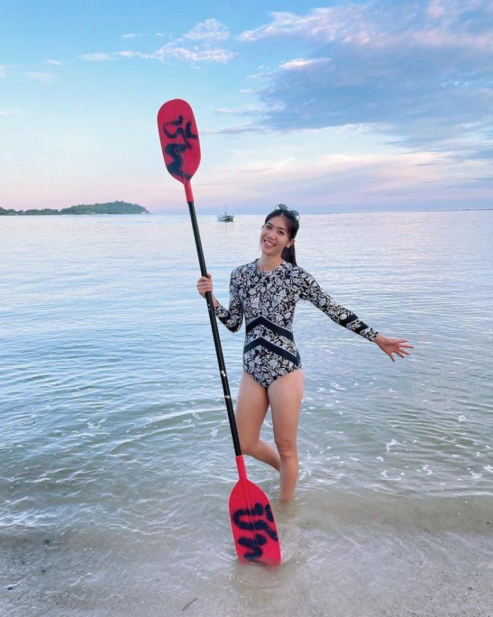 น้องเทนนิส พาณิภัค ชาร์จพลังเที่ยวเกาะสมุยสุดชิล กับชุดว่ายน้ำ